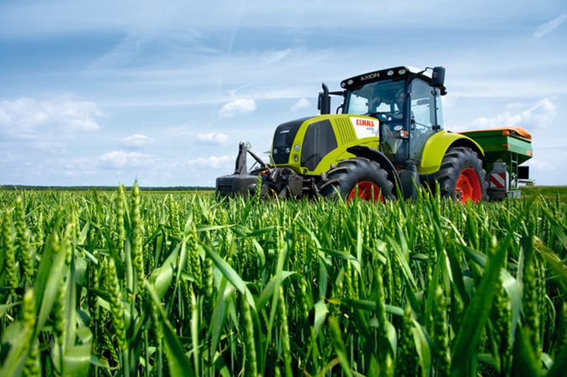 Machine of the month: Claas Axion 850 – in a class of its own