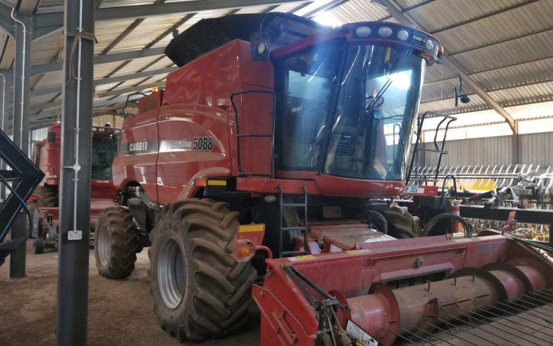 Case 5088 Harvester